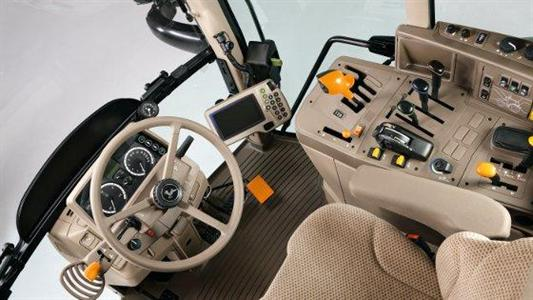 Intérieur cabine des nouveaux tracteurs John Deere 6M