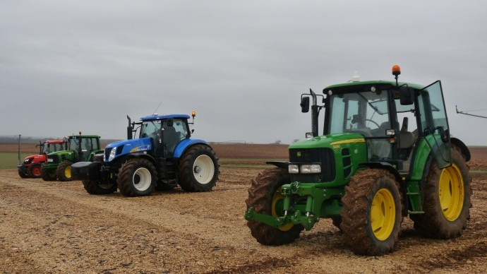 Venez prendre les commandes des derniers tracteurs agricoles avec Terre-net !