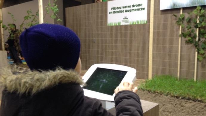 Sur le stand de l'odyssée du végétale, un simulateur permet de prendre le contrôle d'un drône.